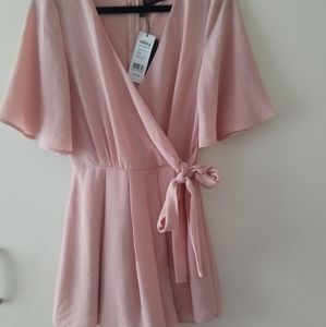 Ally fashion dusty pink playsuit /Romper size 6